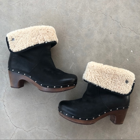 Ugg Lynnea Black nubuck leather and sheepskin clog boot
